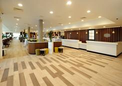 Hampton by Hilton London Stansted Airport - Stansted (Essex) - Lobby