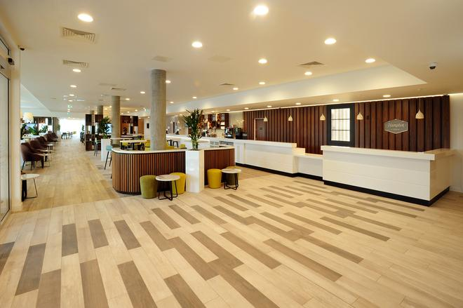 Hampton by Hilton London Stansted Airport - Stansted (Essex) - Recepción