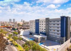 Fairfield Inn & Suites by Marriott Tijuana - Tijuana - Edificio