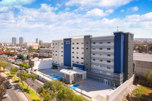 Fairfield Inn & Suites by Marriott Tijuana - Tijuana - Building