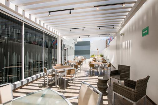 Fairfield Inn & Suites by Marriott Tijuana - Tijuana - Balcony