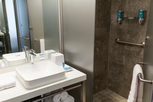 Aloft Lima Miraflores - Lima - Bathroom