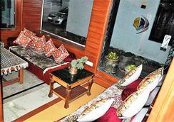 Hotel Sadaf - Srinagar - Hành lang