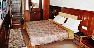 Hotel Sadaf - סרינגאר