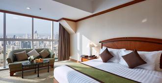 Baiyoke Sky Hotel - Bangkok - Bedroom