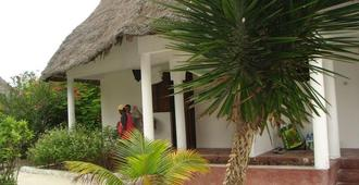Oasis Beach Hotel - Jambiani - Outdoors view