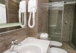 Center Hotel - Saint-Pétersbourg - Salle de bain