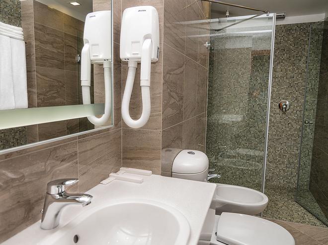 Center Hotel - Αγία Πετρούπολη - Μπάνιο