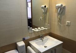 Hotel Castillo - Villarrobledo - Bathroom