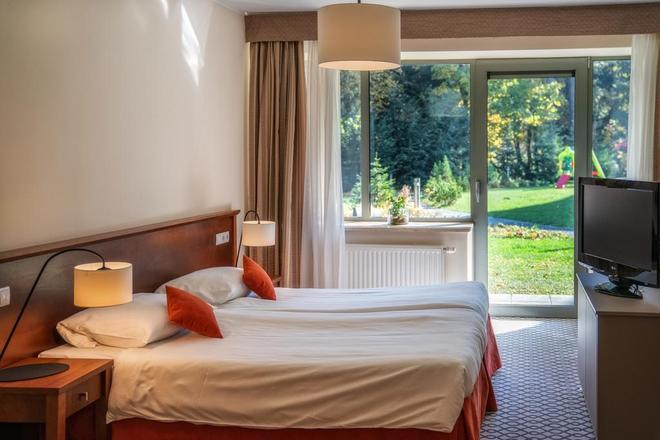 Hotel Murowanica - Zakopane - Bedroom