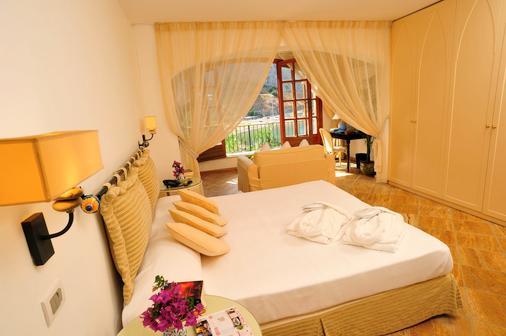 理肯雷特酒店 - 切法盧 - 切法盧 - 臥室