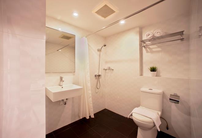 Harbour Ville Hotel - Singapore - Bathroom