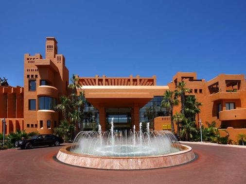 巴塞羅聖彼得溫泉度假村 - 奇克拉納德拉弗龍特拉 - 奇克拉納-德拉弗龍特拉 - 建築