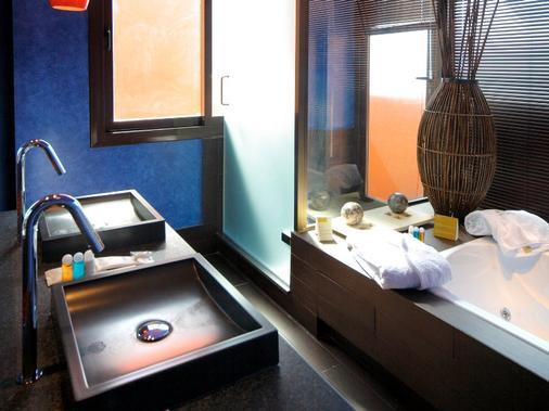 巴塞羅聖彼得溫泉度假村 - 奇克拉納德拉弗龍特拉 - 奇克拉納-德拉弗龍特拉 - 浴室