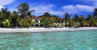 Charela Inn - Negril - Beach