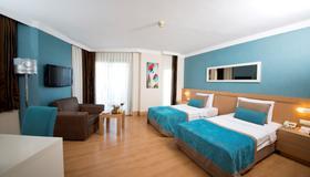 Limak Limra Hotel - Kids Concept - Kemer - Schlafzimmer