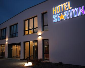 Hotel Starton am Village - Ingolstadt - Building