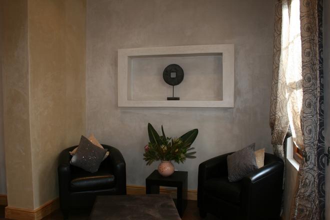 20 on Church - Montagu - Living room