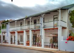 20 on Church - Montagu - Building