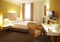 內波穆克酒店 - 班貝格 - 臥室