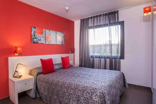 Migjorn Ibiza Suites & Spa - Ibiza - Bedroom