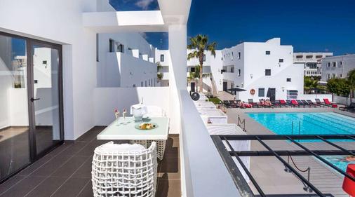 Migjorn Ibiza Suites & Spa - Ibiza - Parveke