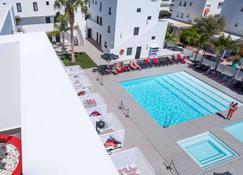Migjorn Ibiza Suites & Spa - Thị trấn Ibiza - Bể bơi