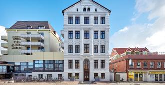 Strandhotel VierJahresZeiten - Borkum - Building