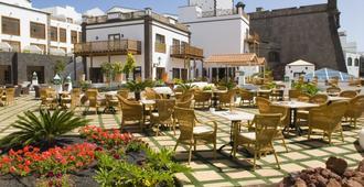 Gran Castillo Tagoro Family & Fun Playa Blanca - Playa Blanca - Building