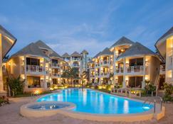 Ambassador In Paradise - Boracay - Building