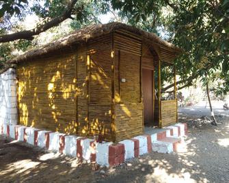 Gir Van Farm - Sasan Gir - Bedroom