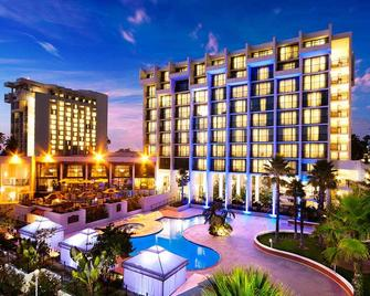Newport Beach Marriott Hotel and Spa - Newport Beach - Edificio