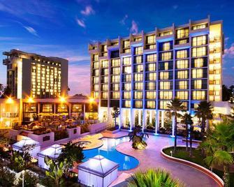 Newport Beach Marriott Hotel and Spa - Newport Beach - Gebouw