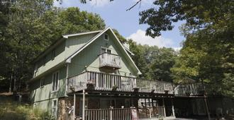 Lil Black Bear Inn - Nashville - Edificio