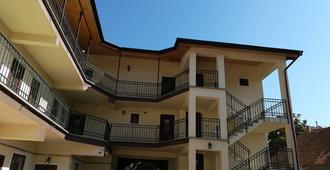 Long Street Hotel - Braşov - Edificio