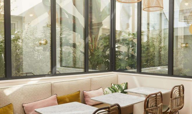 Doisy Etoile - Paris - Buffet