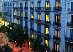 Hotel a Barcellona da 16 €/notte - Cerca hotel su KAYAK