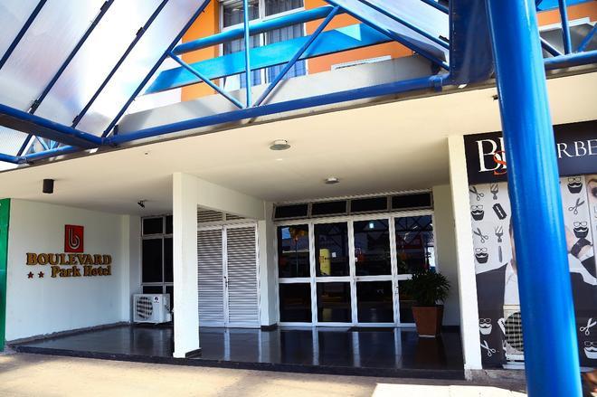 Boulevard Park Hotel - São Luiz - Building