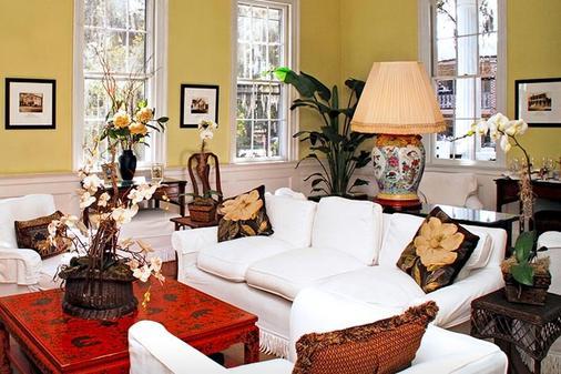 Rhett House Inn - Beaufort - Living room
