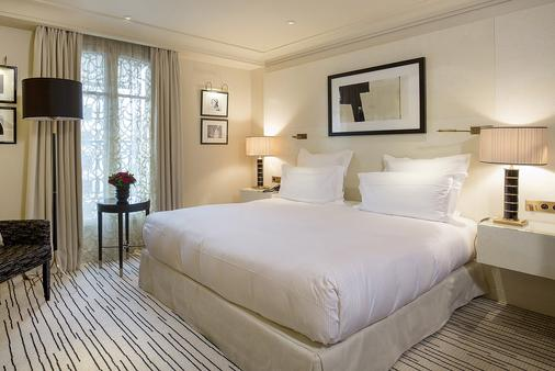 Hôtel Montaigne - Paris - Bedroom