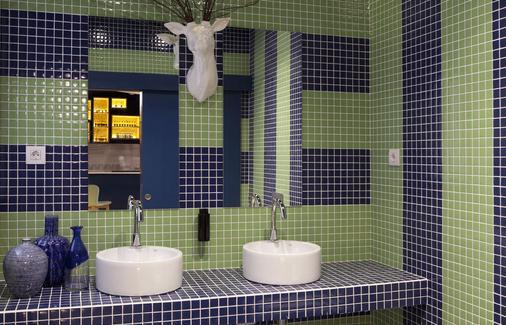 Sleep'n Atocha - Madrid - Bathroom