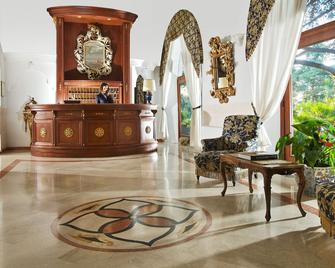 Hotel San Michele - Anacapri - Rezeption