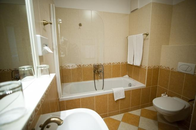 Queen's Court Hotel & Residence - Budapest - Bagno