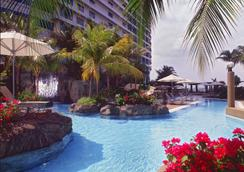 Hilton Kuala Lumpur - Kuala Lumpur - Pool
