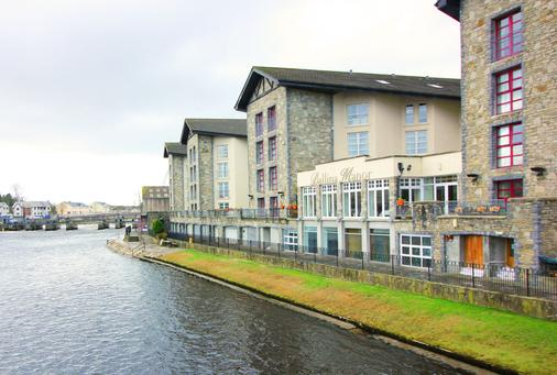 Ballina Manor Hotel - Ballina (Mayo) - Building
