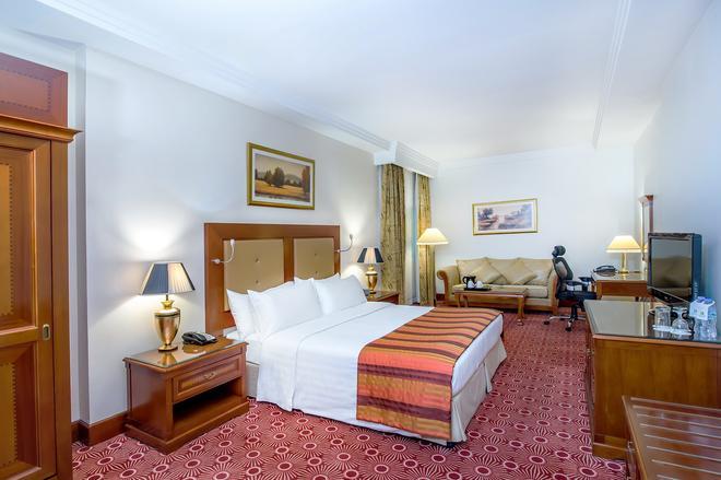 Holiday Inn Bur Dubai - Embassy District - Dubai - Makuuhuone