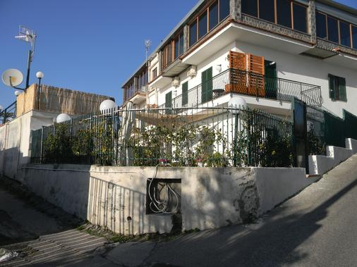 Sanfralù - Ercolano - Building