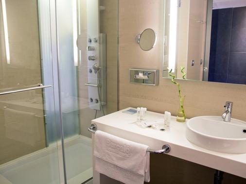Barceló Costa Vasca - San Sebastian - Bathroom