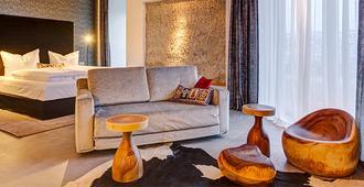 Hotel im Bunker - Munich - Living room