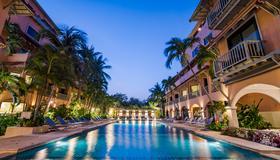 華欣安娜塔斯拉海濱酒店 - 華欣 - 游泳池